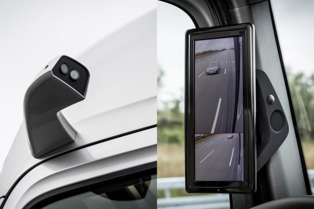 Boczne lusterka są zastąpione przez mini-kamery.